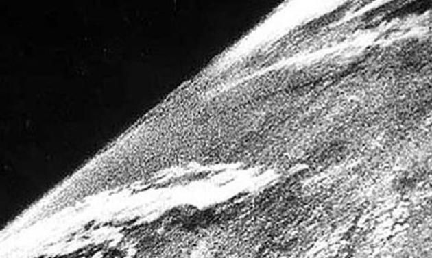 first photo in space