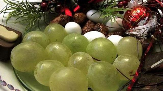 twelve grapes
